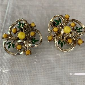 Vintage Ornate Gold Earrings 🔥REDUCED🔥